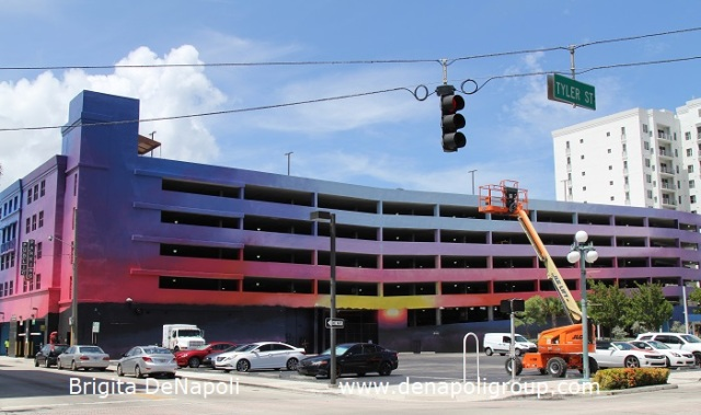 Public Parking Garage in Downtown Hollywood,FL (Tyler St. & N 19 Ave)