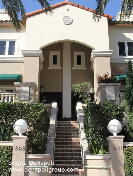 Townhouse in Fort Lauderdale, FL