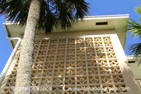 Exterior wall of an older building in Fort Lauderdale,FL